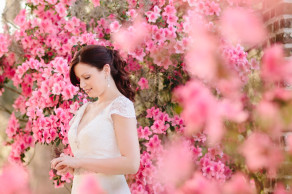 Azalea bride in a Charleston spring © Carolina Photosmith
