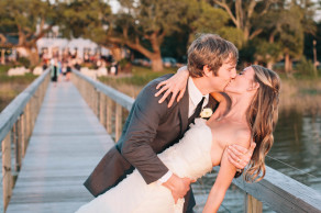 Romantic sunset kiss at Lowndes Grove on the Ashley River in Charleston, SC. © Carolina Photosmith