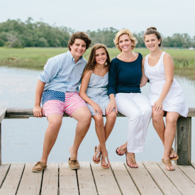 Relaxed and fun family photography in the Lowcountry. Creekside at Boone Hall Plantation. © Carolina Photosmith
