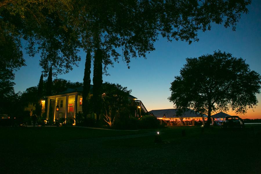 Charleston wedding venue, Island House, on the Stono River. © Carolina Photosmith
