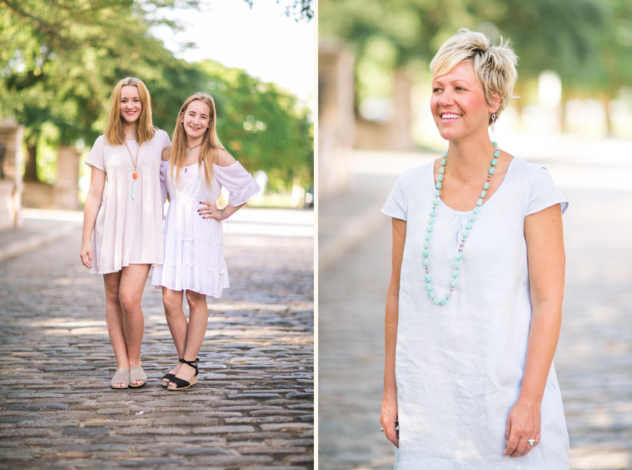 Fun and relaxed Charleston family photography near Waterfront Park. © Carolina Photosmith