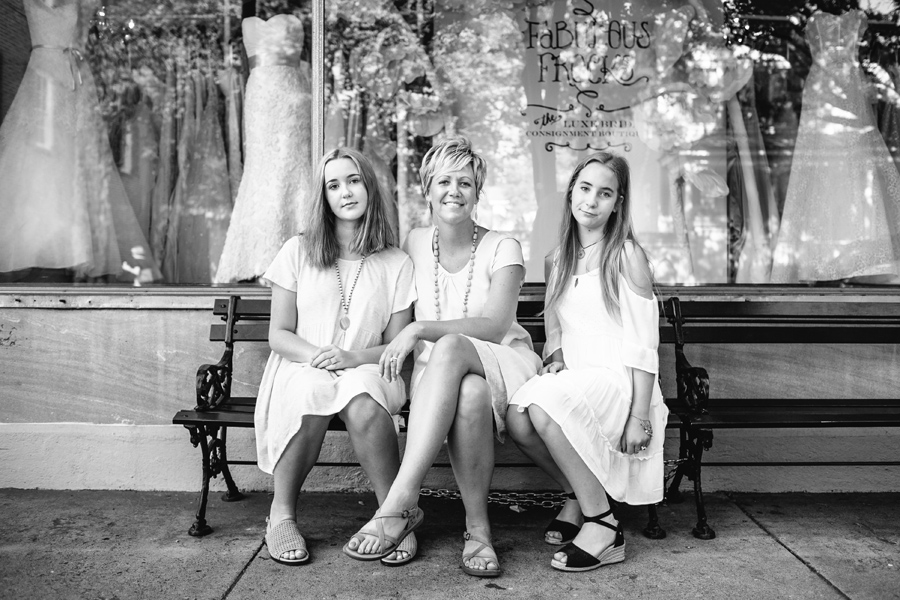 Combined-family-and-senior-session-in-historic-Charleston-005