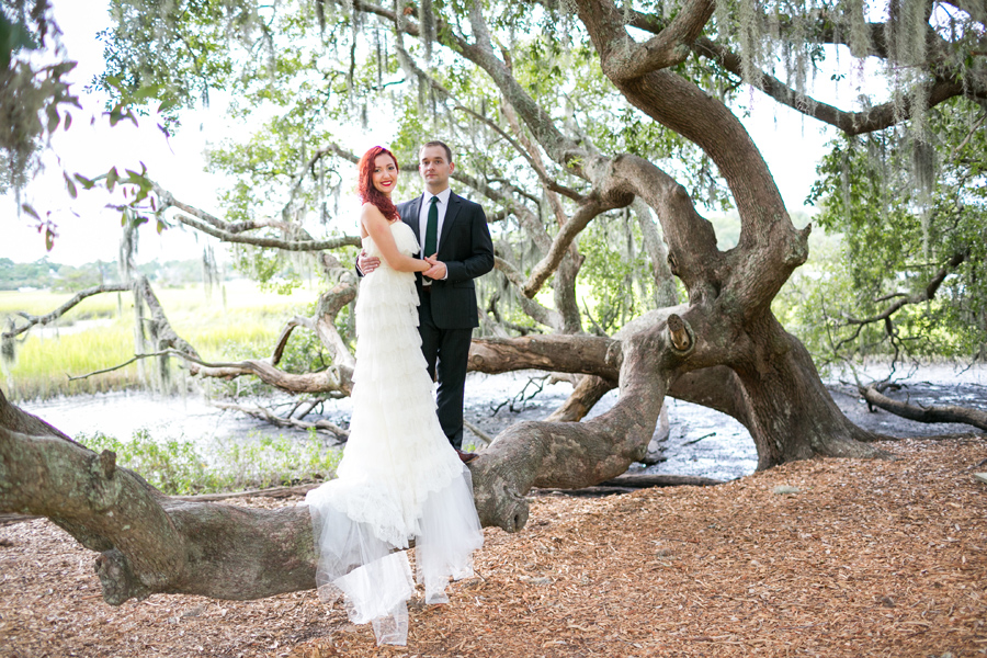 Romantic anniversary photos at Boone Hall near Charleston © Carolina Photosmith