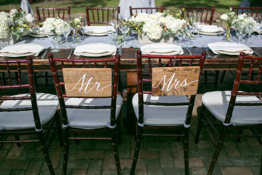 Carolina Photosmith loves photographing small weddings with big style. Lowndes Grove wedding.