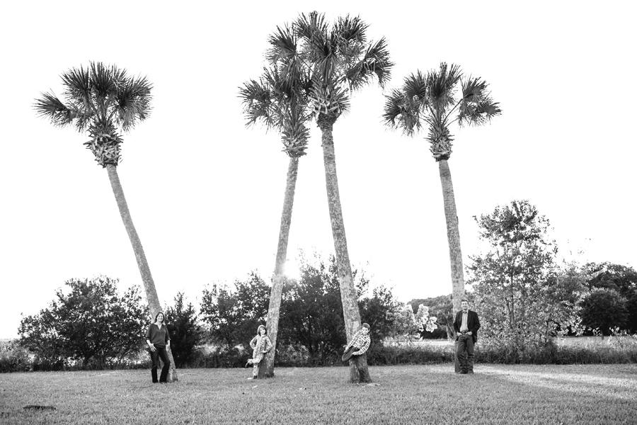 262-Charleston-lifestyle-family-photography-marsh-pasture-trees-