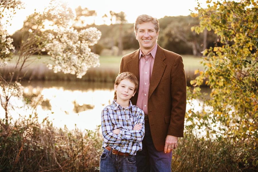 268-Charleston-lifestyle-family-photography-marsh-pasture-trees-