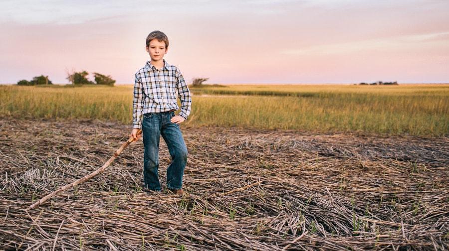 275-Charleston-lifestyle-family-photography-marsh-pasture-trees-
