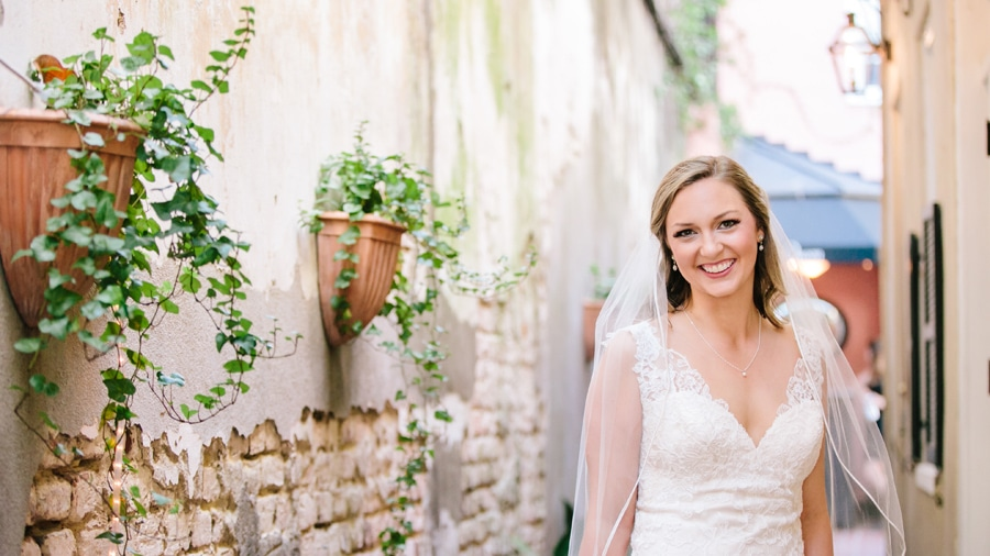 Elegant bridal portrait historic Charleston © Carolina Photosmi